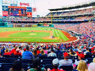 風景,スポーツ,赤,カラフル,アメリカ,景色,人,旅行,ワシントン,野球,応援,野球観戦,フォトジェニック,インスタ映え,多色,ナショナルズパーク