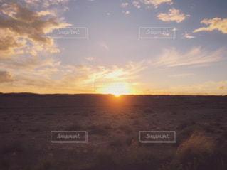 アリゾナの沈みゆく夕日の写真・画像素材[1453120]