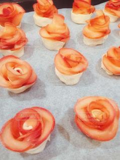 食べ物,スイーツ,秋,食事,屋内,バラ,薔薇,デザート,おやつ,りんご,林檎,料理,クッキング,アップルパイ,リンゴ,フォトジェニック,食欲の秋,インスタ映え