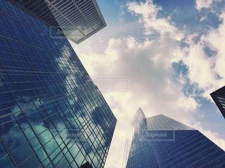 風景,空,建物,ニューヨーク,ビル,屋外,雲,窓,アメリカ,景色,反射,日差し,ガラス,都会,旅行,高層ビル,マンハッタン,都心,秋空,日中,フォトジェニック,インスタ映え