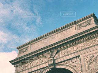 ワシントンスクエア・アーチと秋の空 3の写真・画像素材[1520571]
