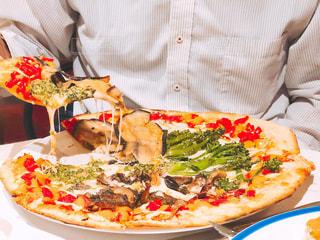 野菜たっぷりピザの写真・画像素材[1645952]