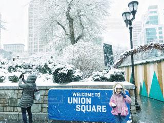 雪のunion square前での写真・画像素材[1699871]