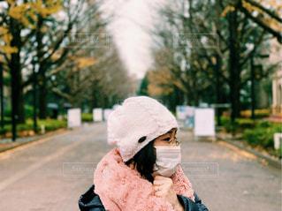 冬のお出かけにはマスク必須!の写真・画像素材[1702691]