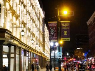 夜のフィラデルフィアの通りの写真・画像素材[1710125]