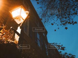夜のフィラデルフィアの街灯の写真・画像素材[1710163]