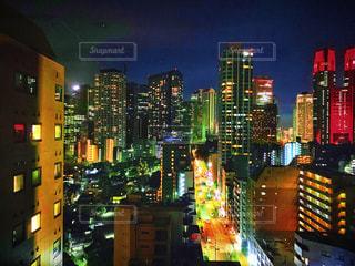 窓から見た夜の新宿の写真・画像素材[1710480]