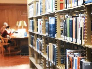 図書館で自習の写真・画像素材[1722683]