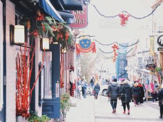 クリスマス前のケベックシティーの通りの写真・画像素材[1817411]