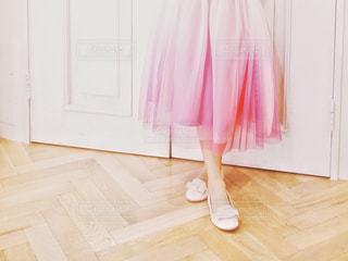 グラデーションが綺麗なピンクのドレスの写真・画像素材[1821002]
