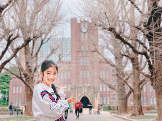 安田講堂はこちらですの写真・画像素材[2035433]