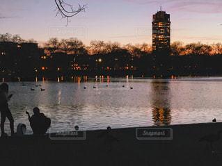 夕暮れ時のハイドパークの写真・画像素材[2046372]