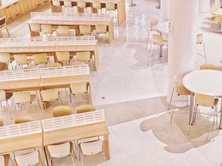 ミルクティー色の東大中央食堂の写真・画像素材[2056374]