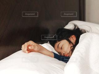 朝寝坊の写真・画像素材[2089077]