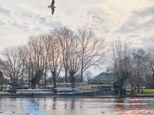 シェークスピア生地の川辺の写真・画像素材[2094480]