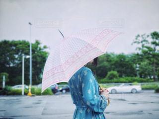 雨の日とお気に入りの傘の写真・画像素材[2238250]