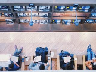 ブックカフェの写真・画像素材[2300197]
