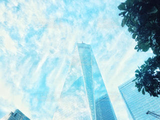 1ワールドトレードセンターに映る空模様の写真・画像素材[2454843]