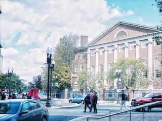 ハーバードの街と空模様の写真・画像素材[2475501]