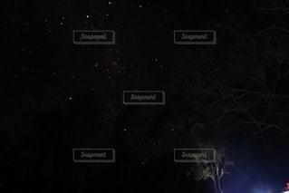 夜空星空の写真・画像素材[3388319]