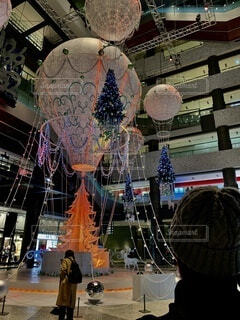 大阪,気球,イルミネーション,ライトアップ,クリスマス,装飾,明るい,2020,グランフロント大阪,大阪イルミネーション,PR,クリスマス ツリー,Grand Wish Christmas 2020,Winter Voyage Tree,2020イルミネーション,Winter Voyage -世界を繋ぐ希望の旅-