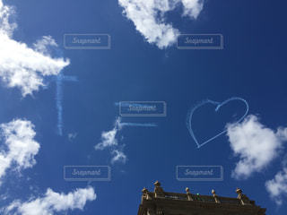 青い空に雲の写真・画像素材[1141475]