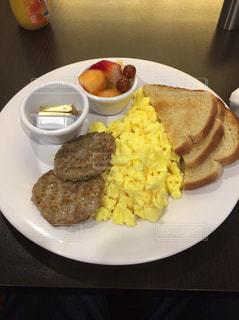 アメリカ式の朝食の写真・画像素材[1144777]