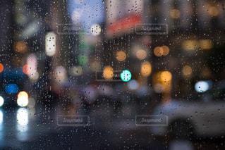雨,水滴,ネオン,街,ガラス,雫,梅雨,6月,玉ボケ