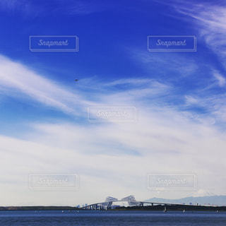橋の上の雲の写真・画像素材[1106431]