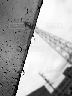 雨,モノクロ,車,窓,鉄塔,外,梅雨,ドライブ,外出,雨粒,お出かけ