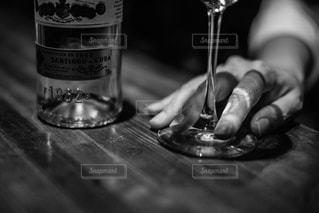 クローズ ボトル、ワインのガラスのの写真・画像素材[1633168]