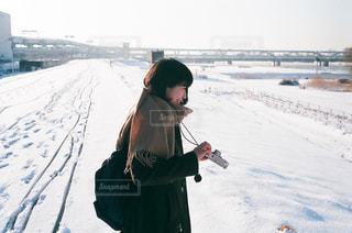 女性,自然,空,冬,雪,屋外,東京,白,遊び,フィルム,ホワイト,荒川,フィルムカメラ,日中,ホワイトカラー