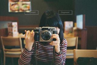 カメラ女子の写真・画像素材[1829339]