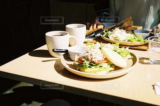 カフェにての写真・画像素材[2254885]