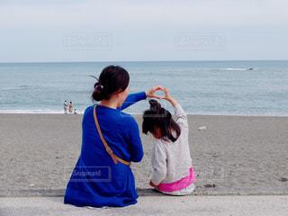 親子,海岸,ハート,母,母の日,ママ,母娘,お母さん
