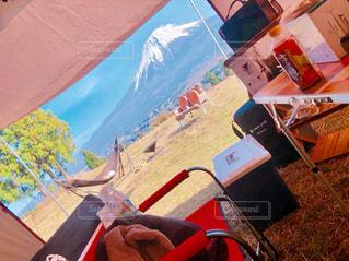テントから見える富士山の写真・画像素材[2407582]