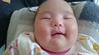 子ども,笑顔,赤ちゃん,微笑み,ママの腕の中