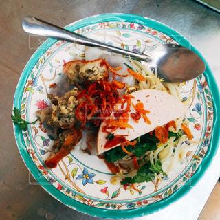 ベトナム朝食・バインクオンの写真・画像素材[1166221]