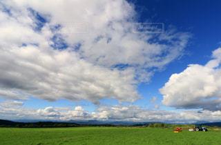 高原の青い空の写真・画像素材[1159426]
