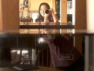 鏡とピアノに写るの写真・画像素材[2659221]