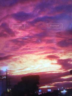 夕暮れ時の都市の景色の写真・画像素材[1439710]