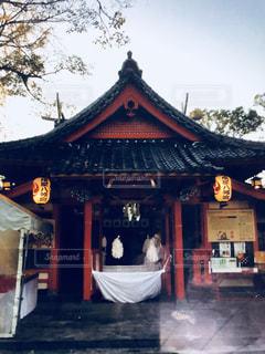 露店,晩秋,いちよう,秋の夕暮れ,晩秋の空の下,神社 社殿