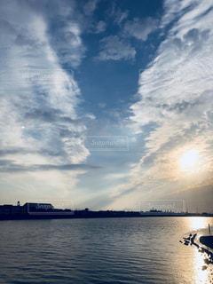 大河,天高く,秋の夕暮れ,雲の芸術