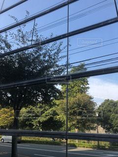 ガラス,秋空