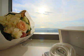 食卓に一杯の食べ物の写真・画像素材[2140728]