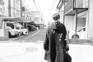 男性,20代,ファッション,京都,散歩,白黒,人物