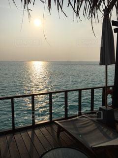 海,空,夕日,屋外,南国,景色,デッキ,海外旅行,景観,休暇,インスタ映え