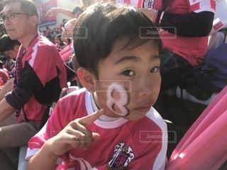 子供を持っている人の写真・画像素材[1164534]
