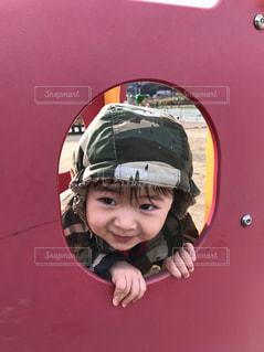 ヘルメットを身に着けている若い子の写真・画像素材[1169836]