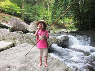 川,山,子供,女の子,岩,笑顔,釣り,こども